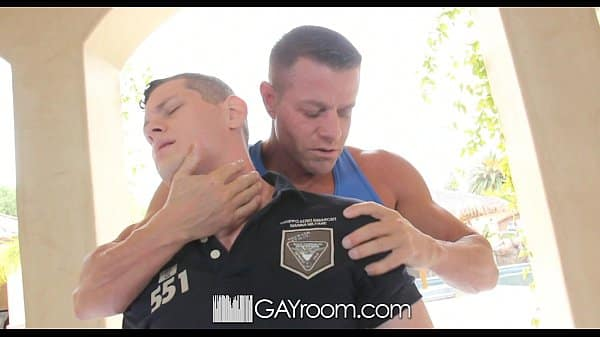 HD GayRoom – Cute guy has his dick jerked off during massage