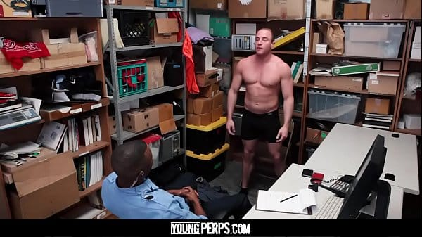 YoungPerps – Big mouthed muscle dude gets fucked hard by black mall cop